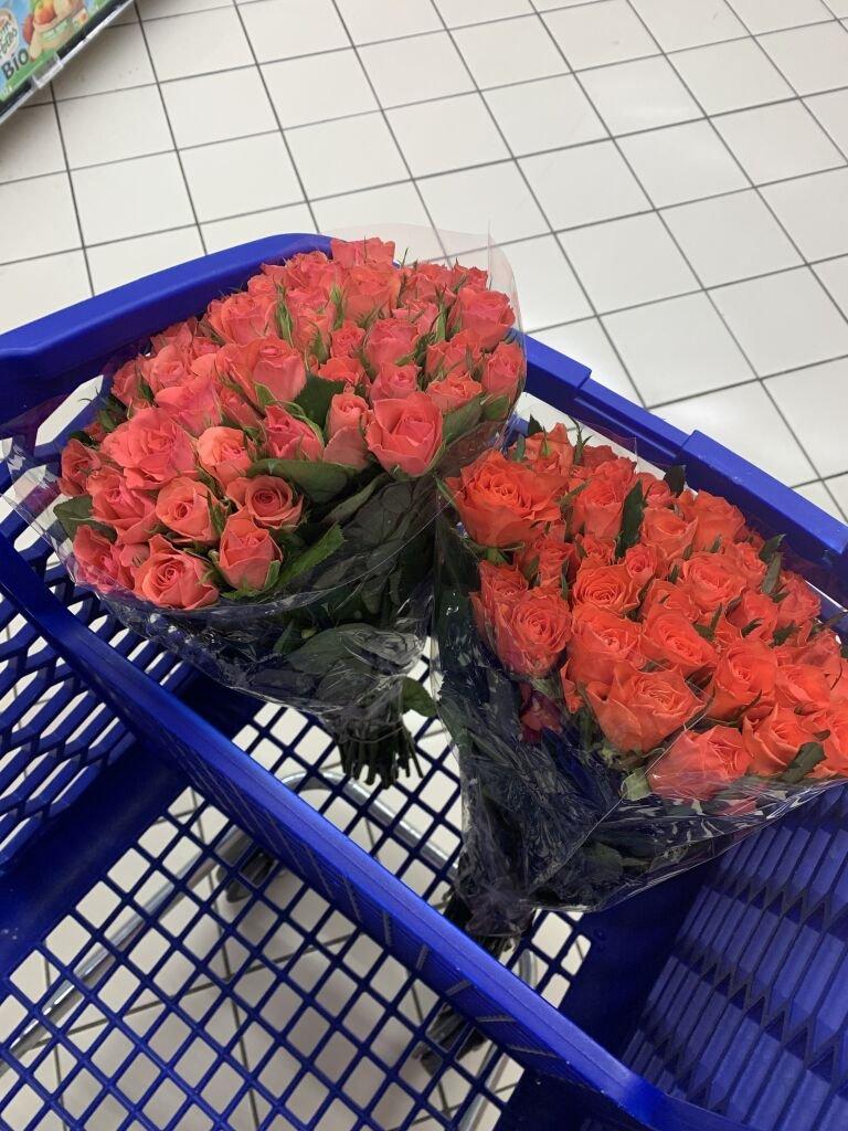 Bouquet de 50 roses, tige de 40 cm - Différents coloris  (Via 4,45 € sur la Carte Fidélité)