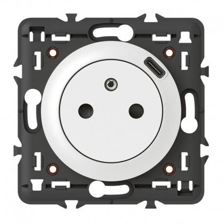 Sélection de produits en promotion - Ex: Prise Surface Céliane avec chargeur Type-C intégré (elec44.fr)