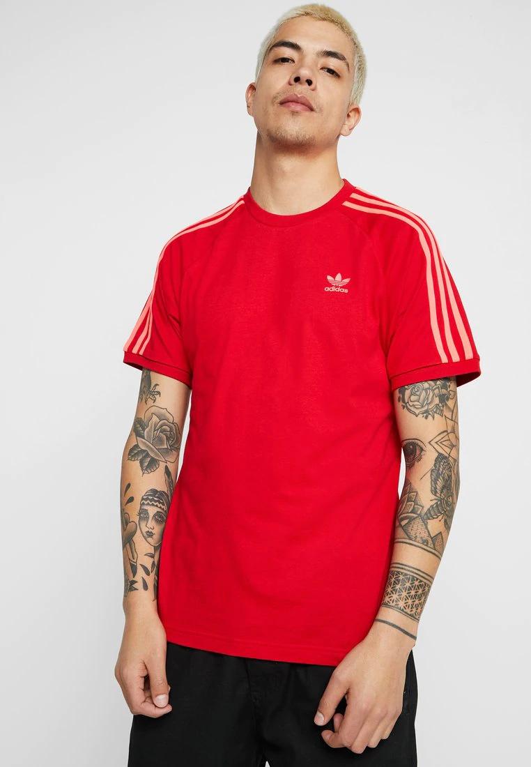 T-shirt imprimé Adidas Originals Adocolor 3 Stripes Tee (Rouge) - Tailles au choix