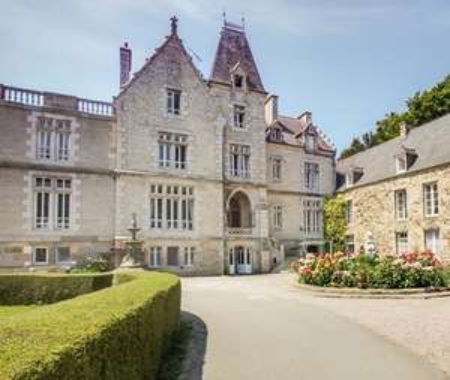Sélection de séjours dans des Châteaux en promotion - Ex : 1 nuit dans le Château du Val pour 2 avec accès SPA et petit-déjeuner