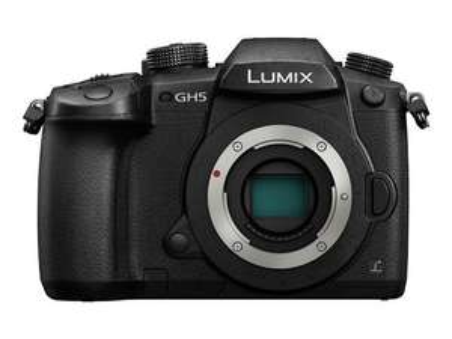 Appareil photo numérique Hybride Panasonic Lumix G DC-GH5 - boîtier nu, monture µ4/3, 20.3 MP, noir (+221,61 € en Super Points)