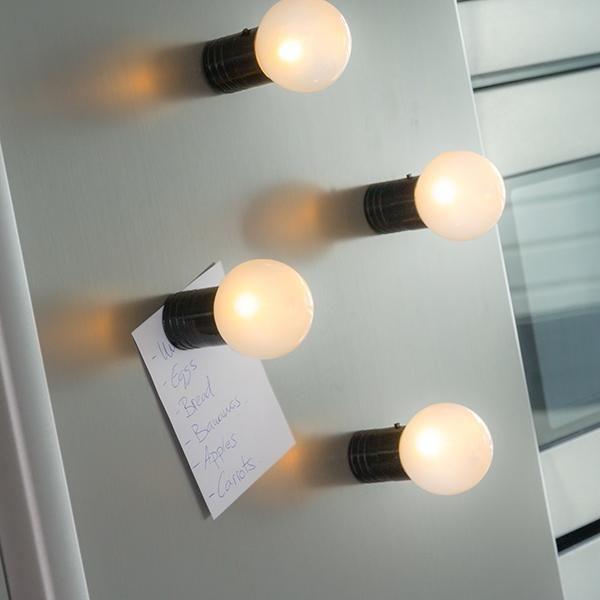 Ampoule LED à support magnétique - 2 coloris au choix