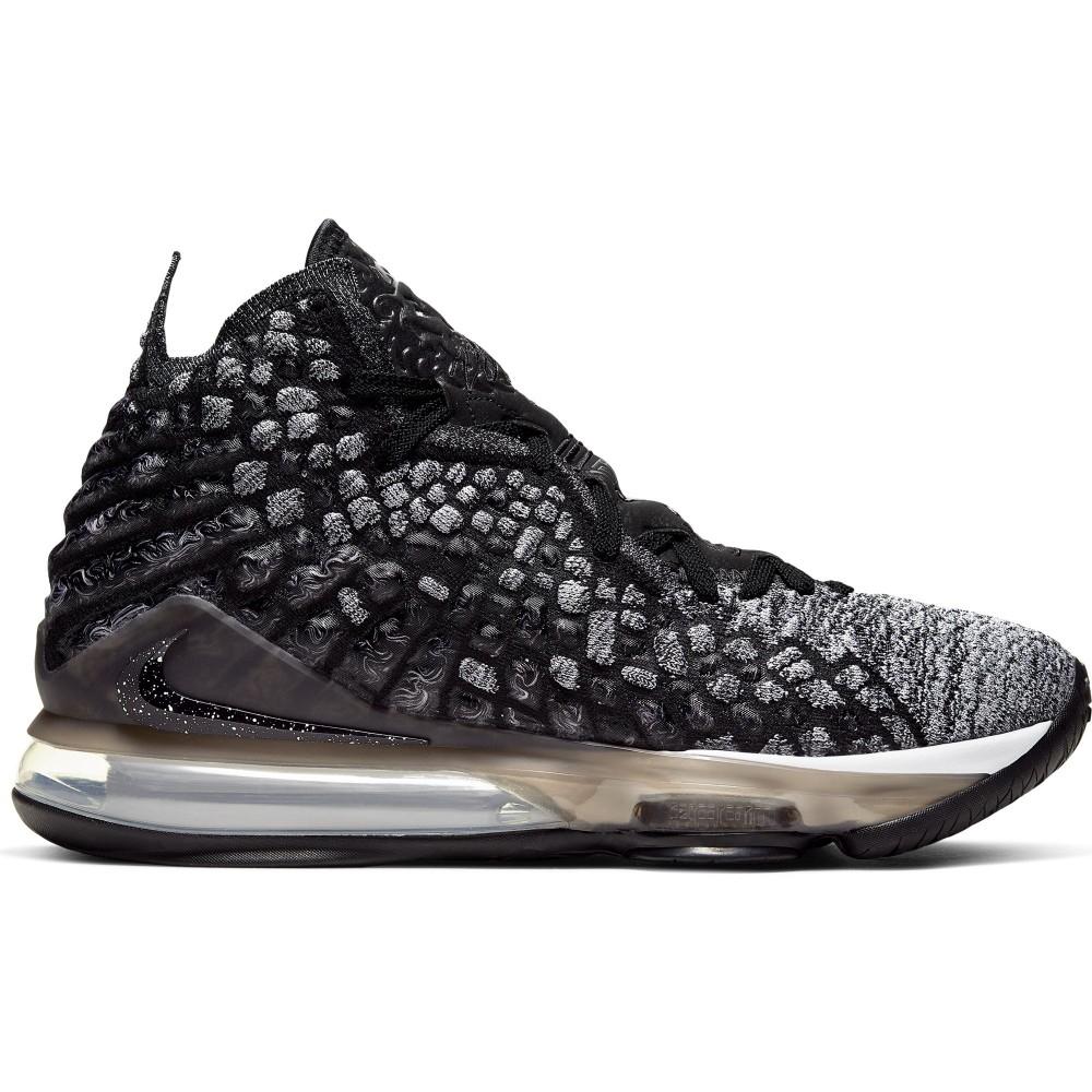 Paire de chaussure Nike LeBron XVII Oreo