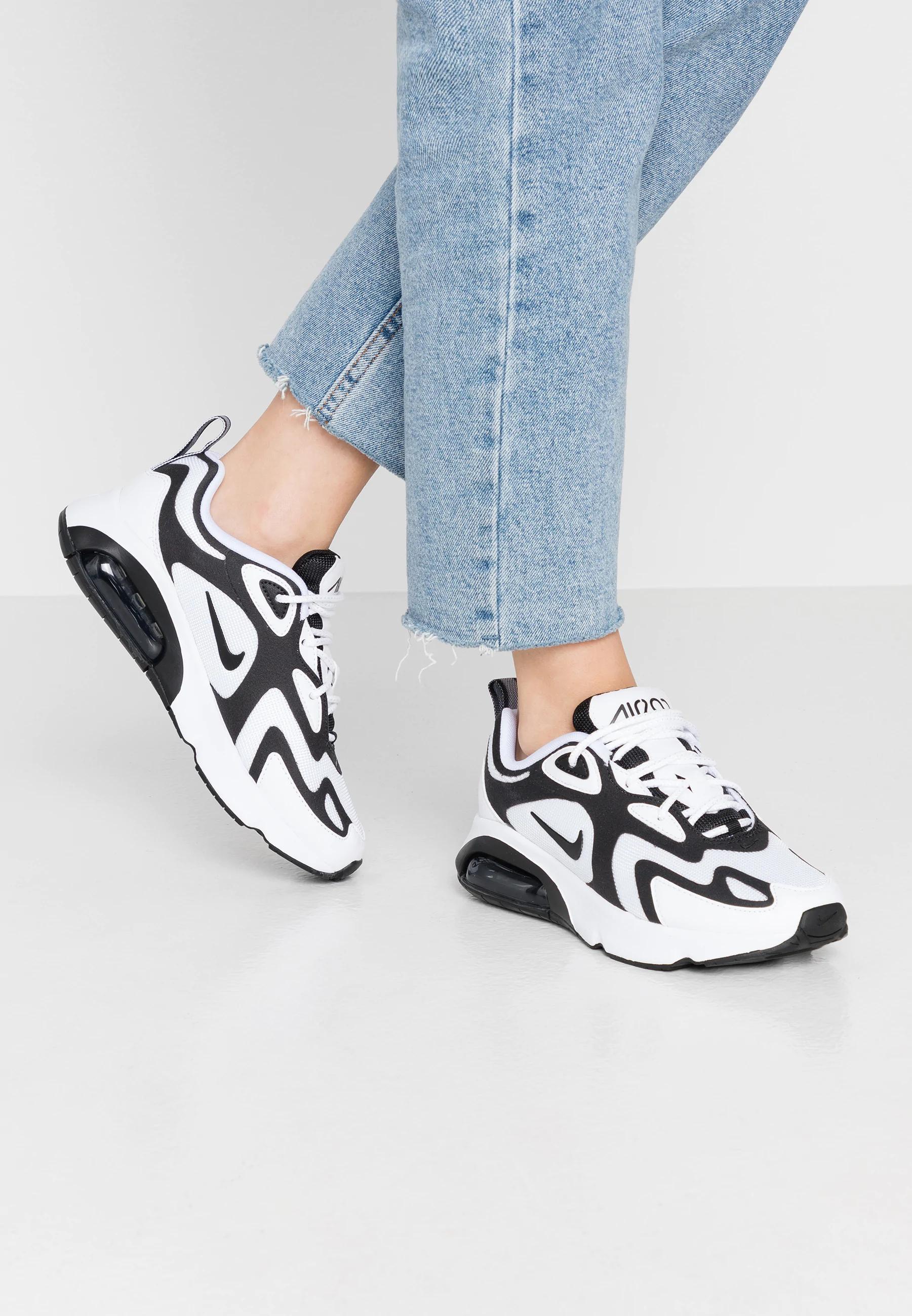 Baskets basses Femme Nike Air Max 200 - Tailles au choix