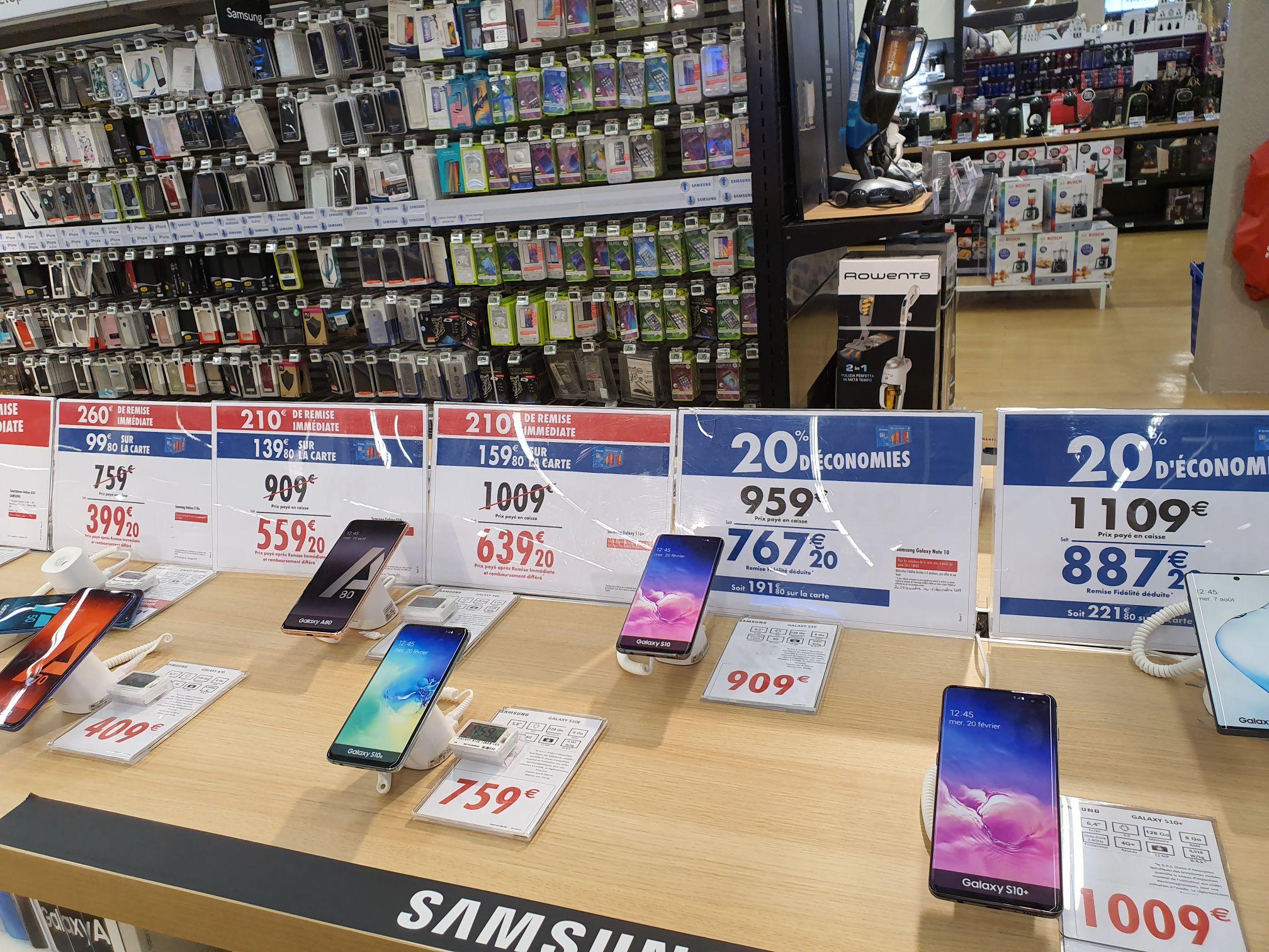 """Smartphone 5.8"""" Samsung Galaxy S10e - 128 Go (Via 99.80€ sur la carte) - National"""