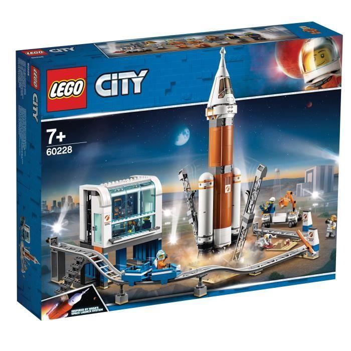 Jouet Lego City 60228 - La Fusée Spatiale et sa Station de Lancement