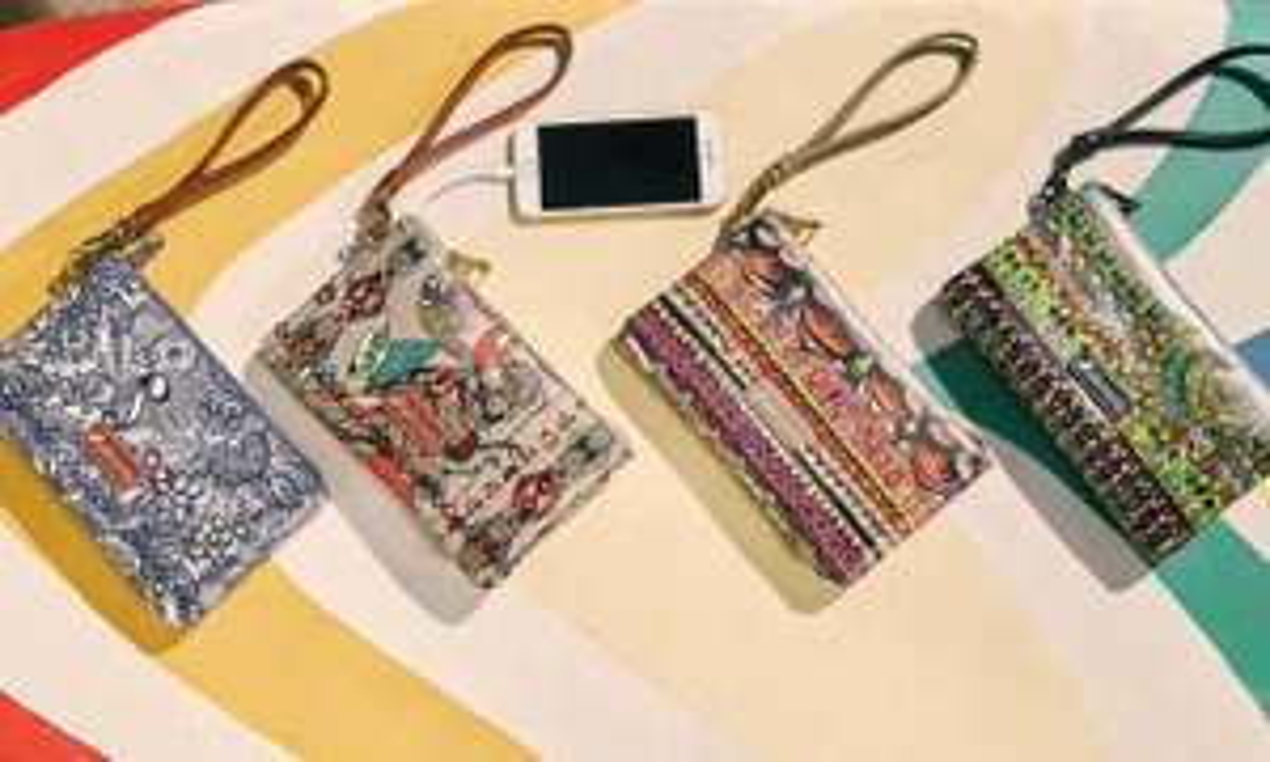 Pochette/portefeuille avec chargeur smartphone intégré - Couleur au choix