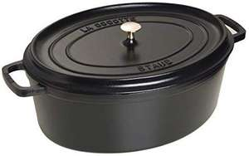 Jusqu'à 60% de réduction sur une sélection de cocottes Staub - Ex : Staub 1103325 Cocotte Ovale Noir Mat 33 cm