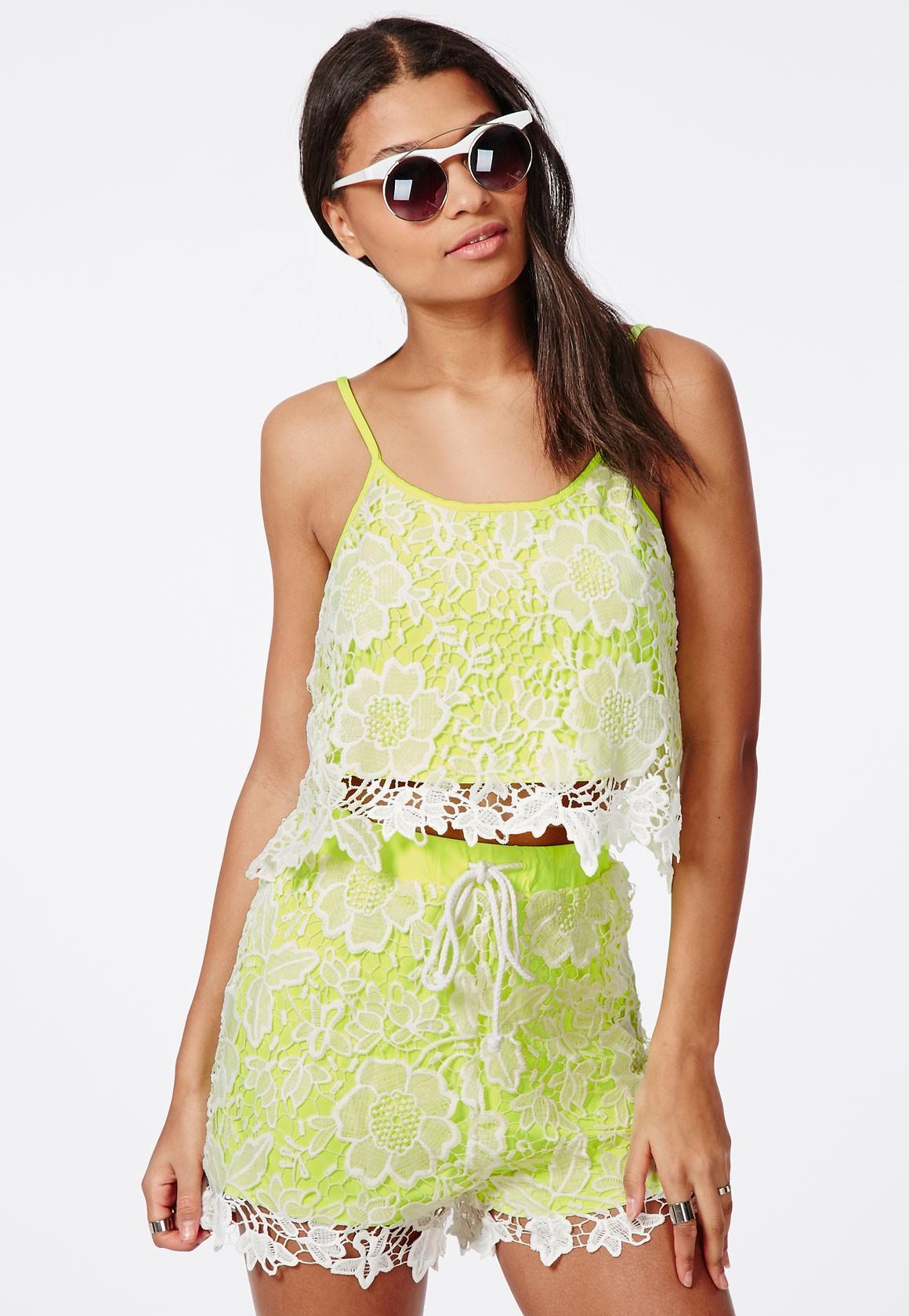Jusqu'à 78% de réduction sur une sélection de vêtements pour femme - Ex : Caraco en crochet à doublure vert fluo