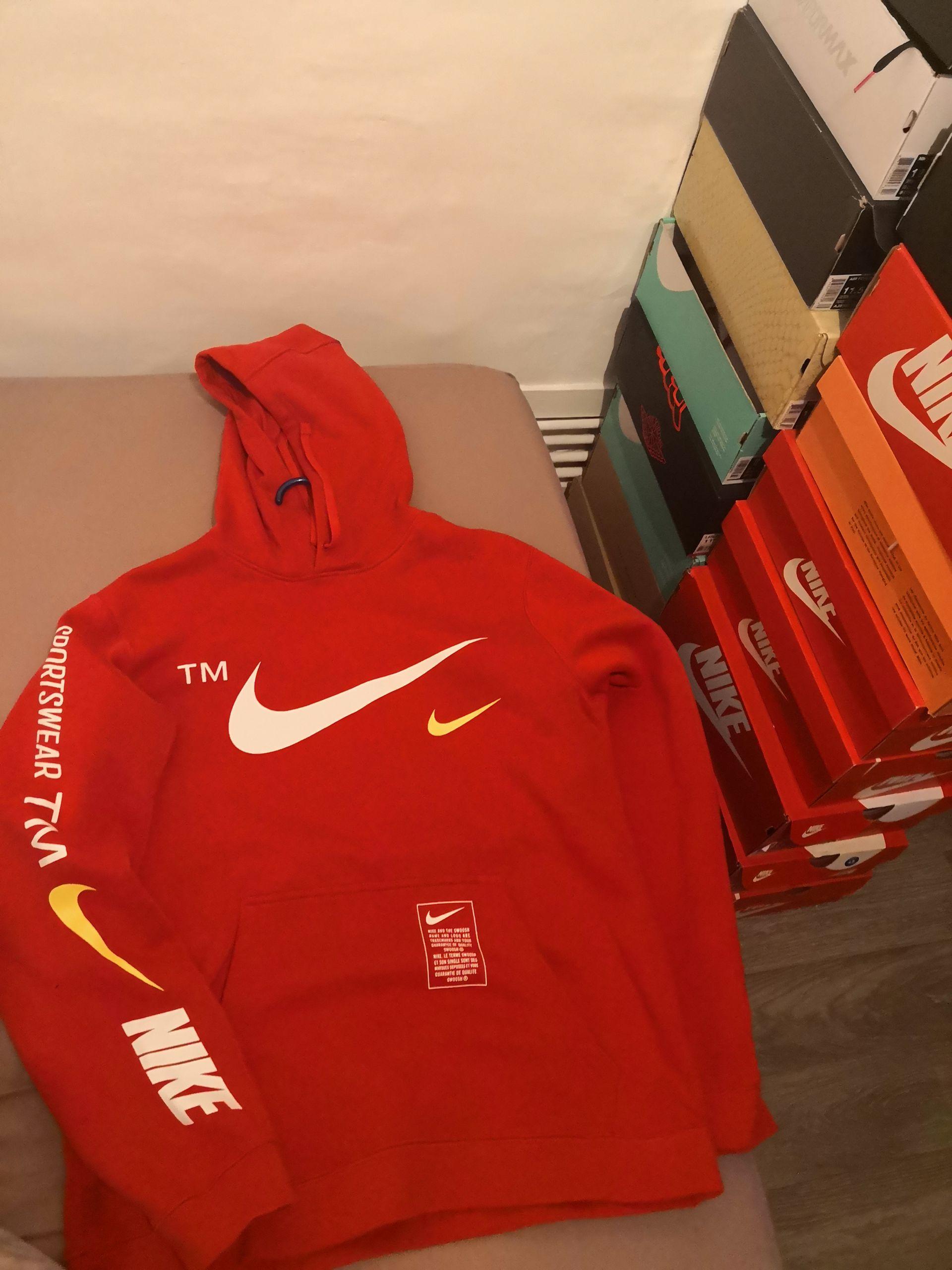 Sweat à capuche Nike Sportswear TM - Tailles M, L et XL - Nike Factory Honfleur Normandy Outlet (14)