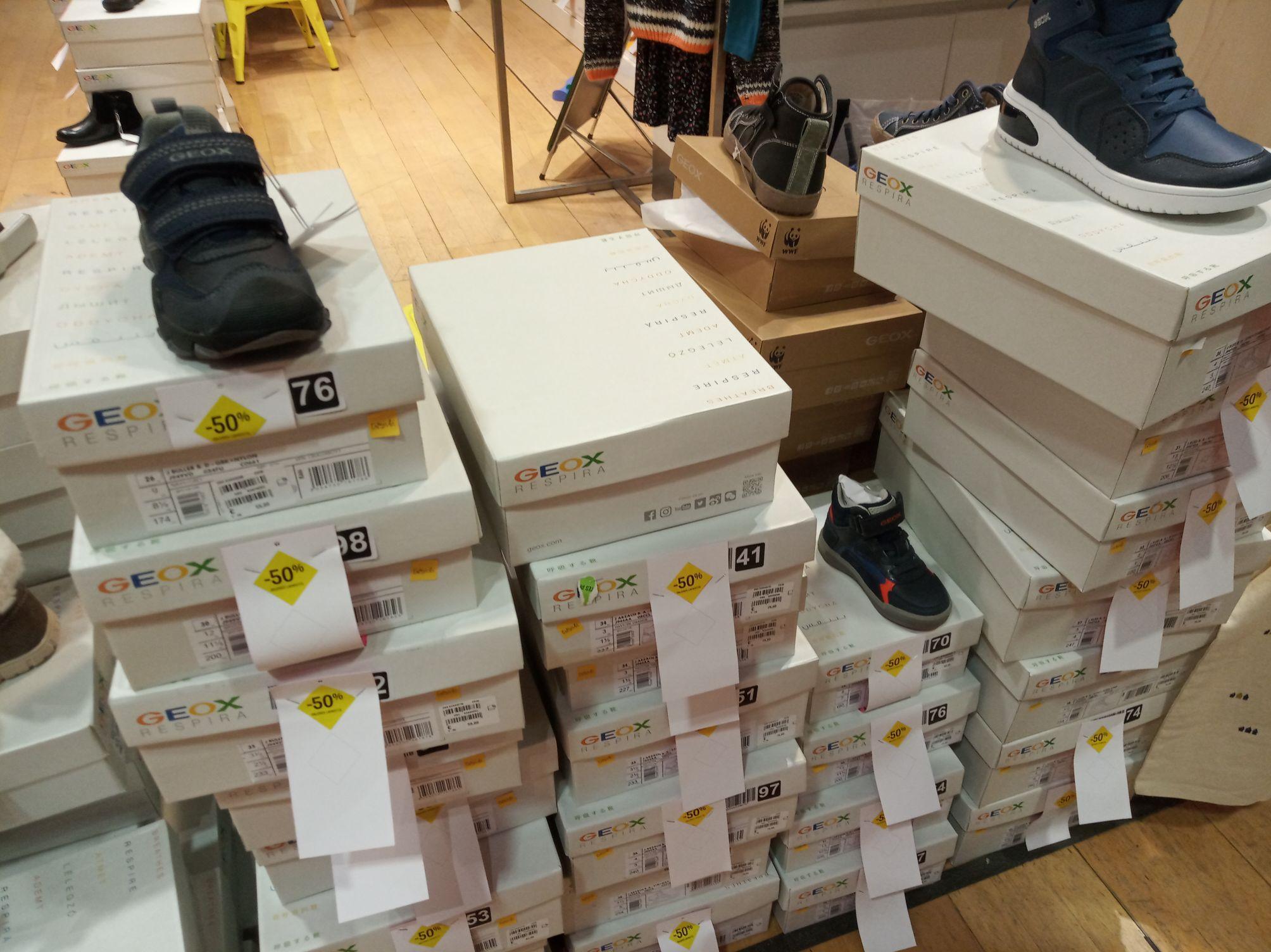 Sélection de chaussures Geox en promotion - Ex : Geox J Buller Boy D - Annecy (74)