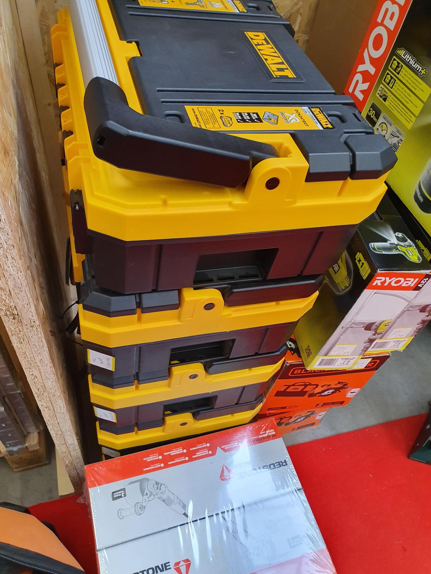 Pack perceuse/lampe Dewalt DCK247D2T + 2 batteries 2A (Queven 56)