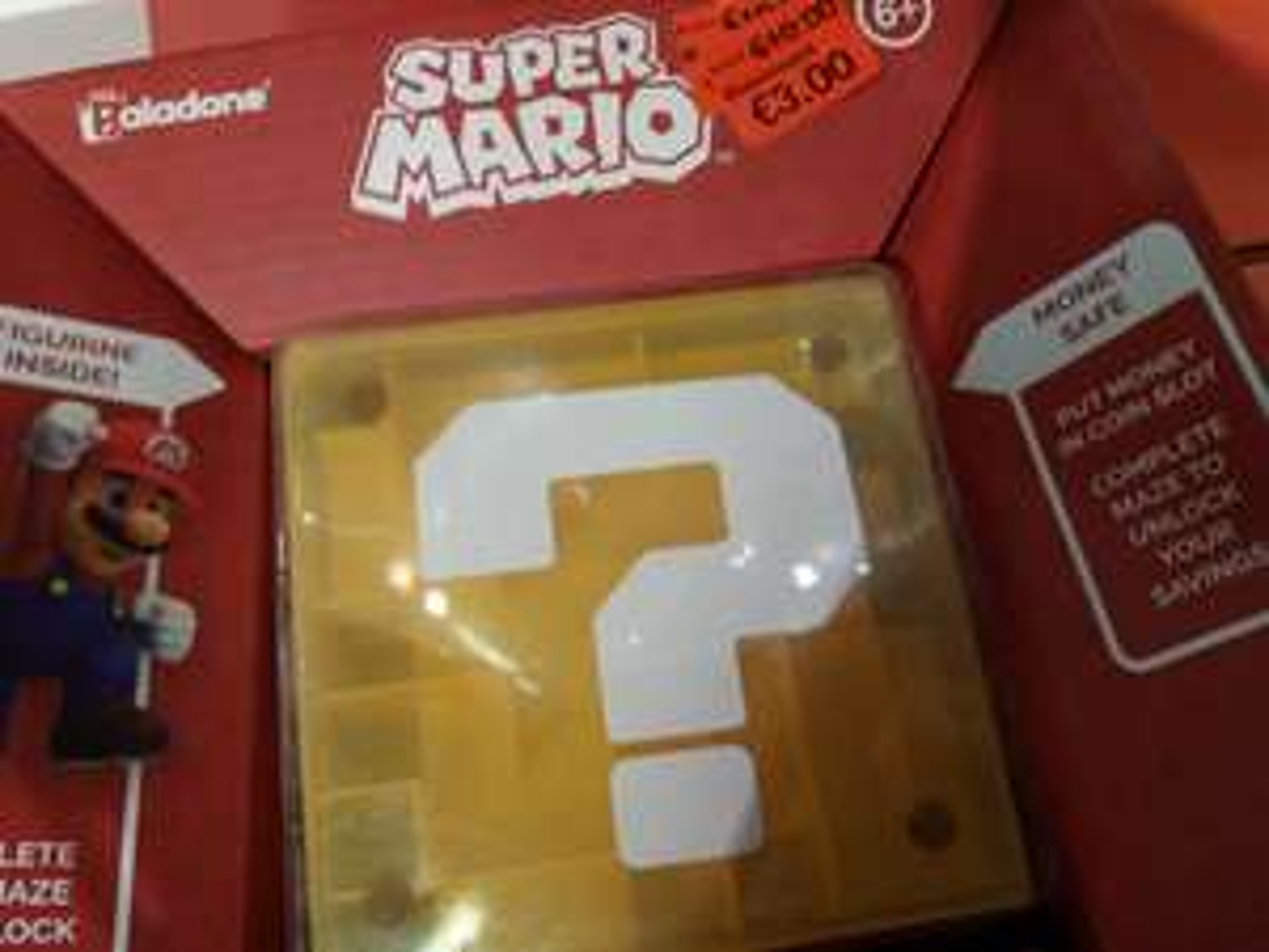Tirelire labyrinthe + Figurine Super Mario Nintendo - Dijon (21)