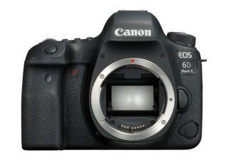 Appareil photo Reflex Canon EOS 6D Mark II - Boîtier Nu + Objectif Canon 40mm f/2.8