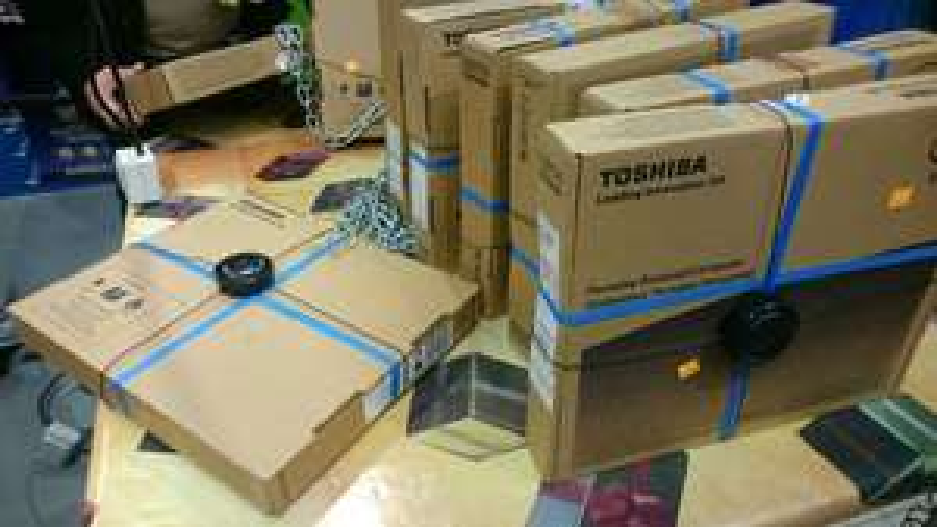 "PC Portable 15.6"" Toshiba Sattelite L50-B-241 (i5 5200U, Radeon R5 M230, 500Go HDD, 4Go RAM)"