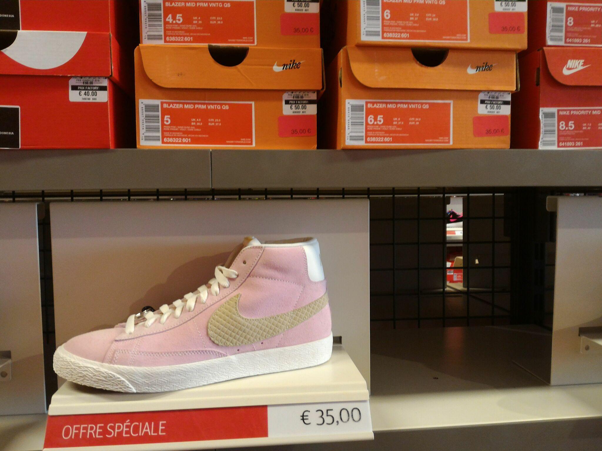 Nike Tiempo Masterful Touche(futsal) 20e, Nike Blazer rose femme (tailles 36.5 au 38.5)