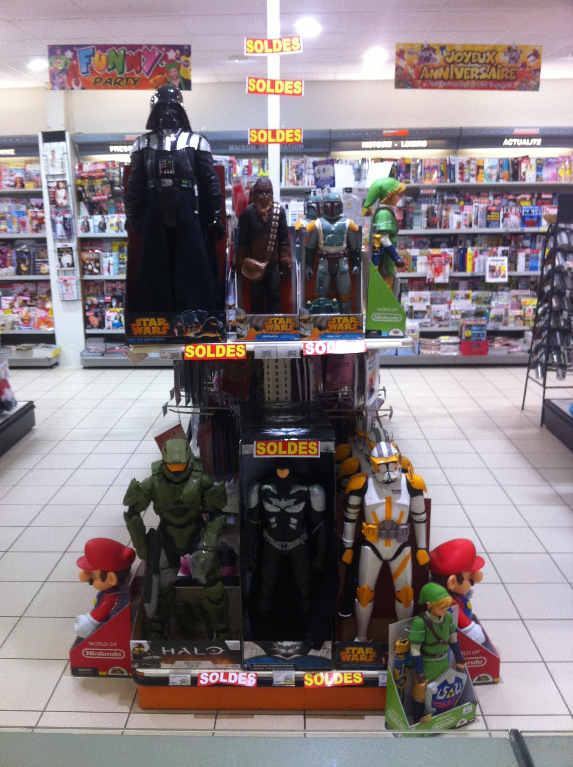 Promotion sur une sélection de figurines (50 ou 80 cm) - Ex:  Mario 50 cm