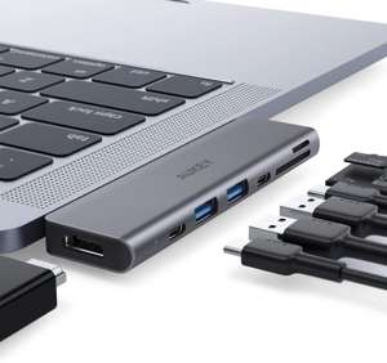 Hub USB-C Aukey 7en1 pour MacBook - 4K HDMI, Thunderbolt 3, 2 USB 3.0, Port USB-C, Carte SD / Micro SD (Vendeur tiers)
