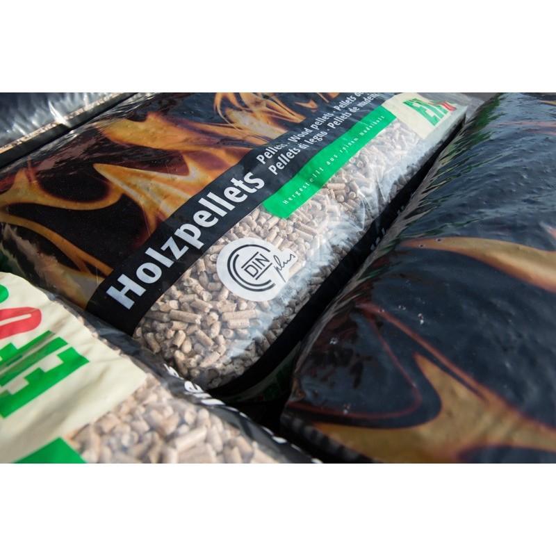 Lot de 65 sacs de granulés de bois EiFuel - 975 kg (piskorski-bois-energie.fr)