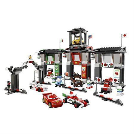 Lego 8679 Le circuit International de Tokyo