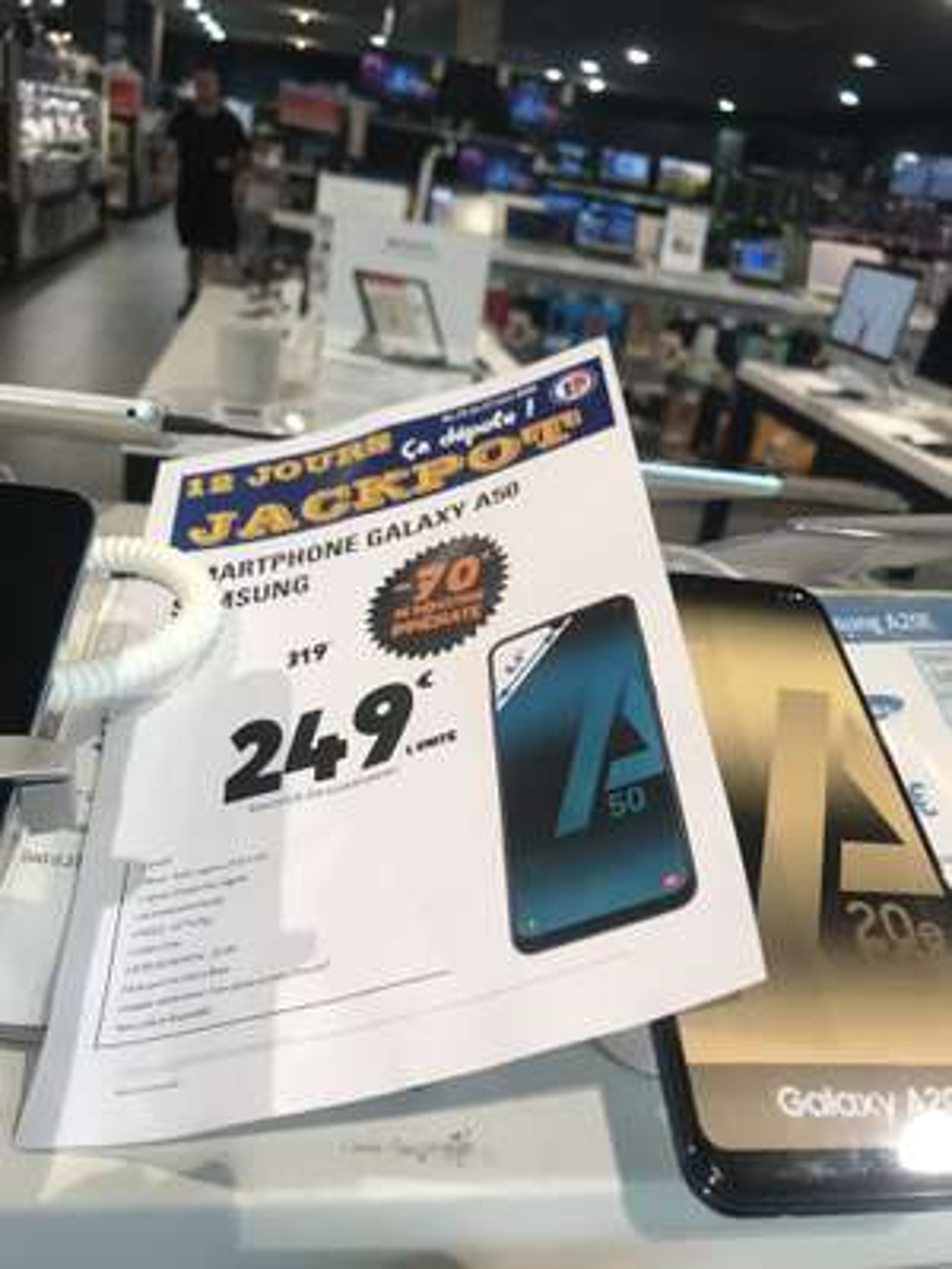 "Smartphone 6.4"" Samsung Galaxy A50 (Coloris au choix) - 4 Go RAM, 128 Go ROM (Leclerc Andrézieux-Bouthéon / Firminy 42)"