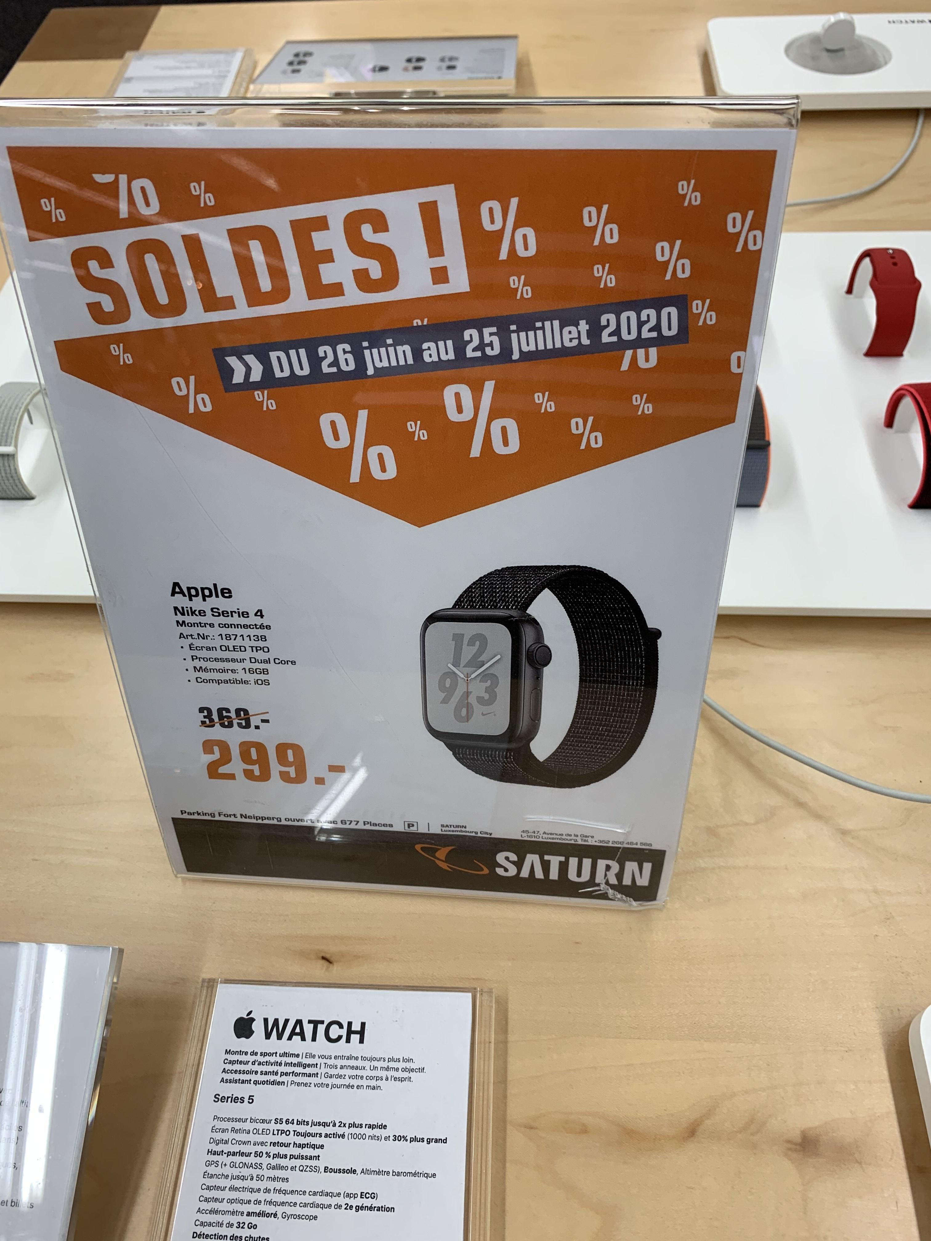 Montre connectée Apple Watch Nike Serie 4 - 44mm, bracelet sport, noir (Frontaliers Luxembourg)