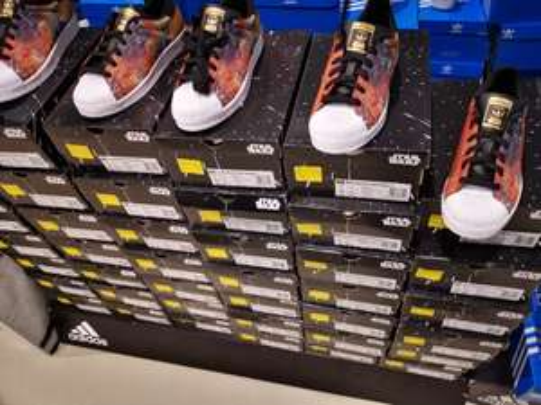 Paire de chaussures Superstar star wars - Channel Outlet Calais (62)
