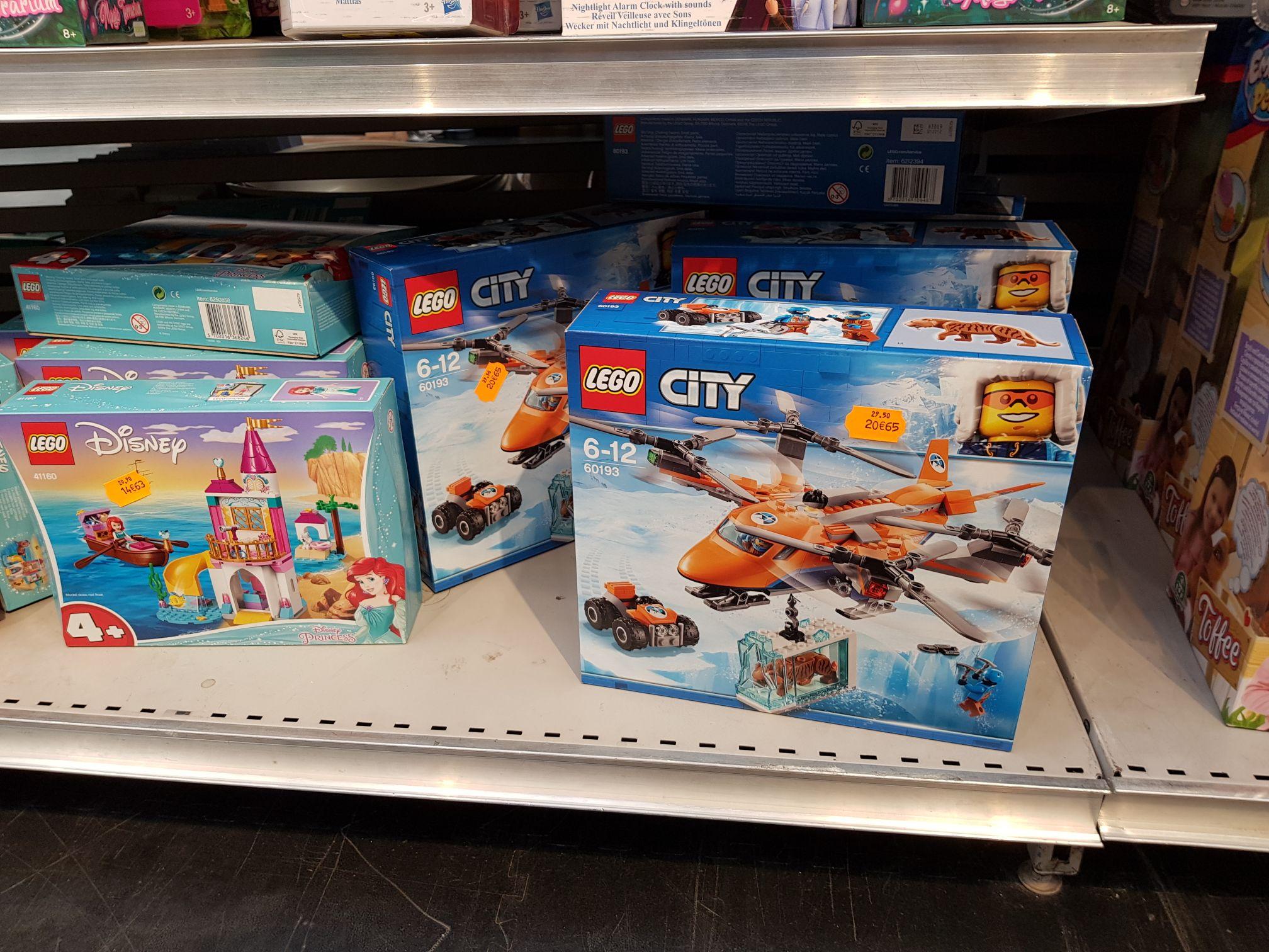 Sélection de jouet Lego city en promotion (ex: L'hélicoptère arctique) - Pontault-Combault (77)
