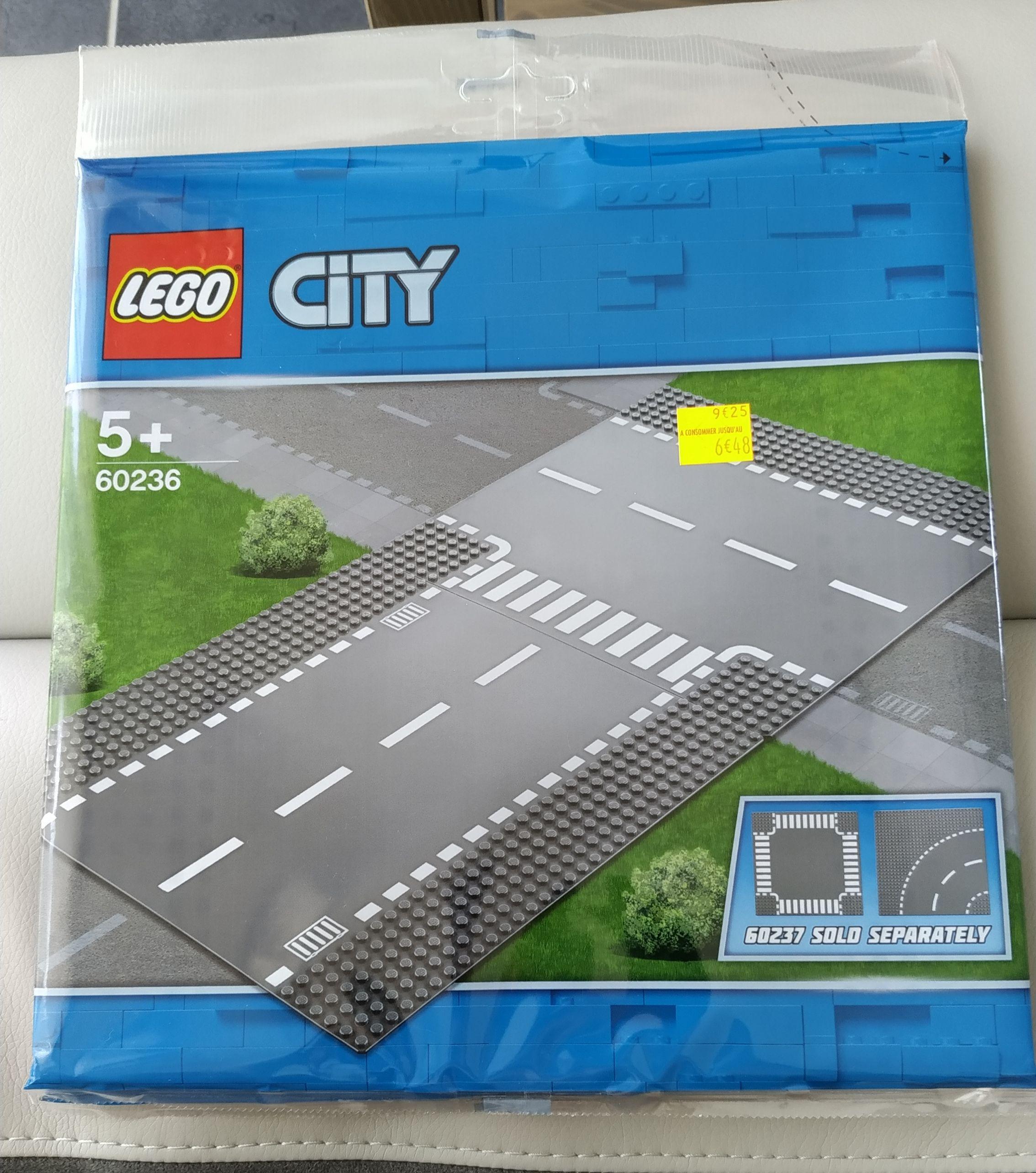 Plaque de route Lego City Droite et intersection (60236) ou Virage et carrefour (60237) - Besançon Valentin (25)