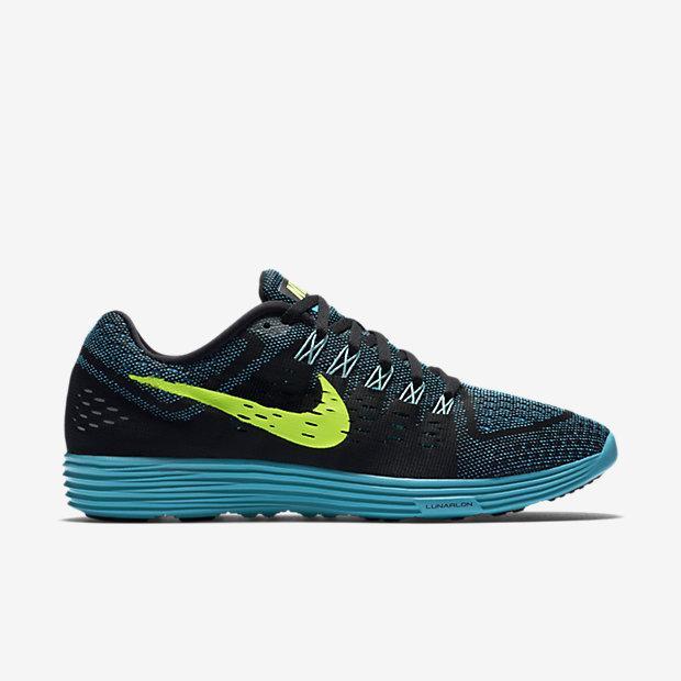 Paire de baskets Nike Lunartempo