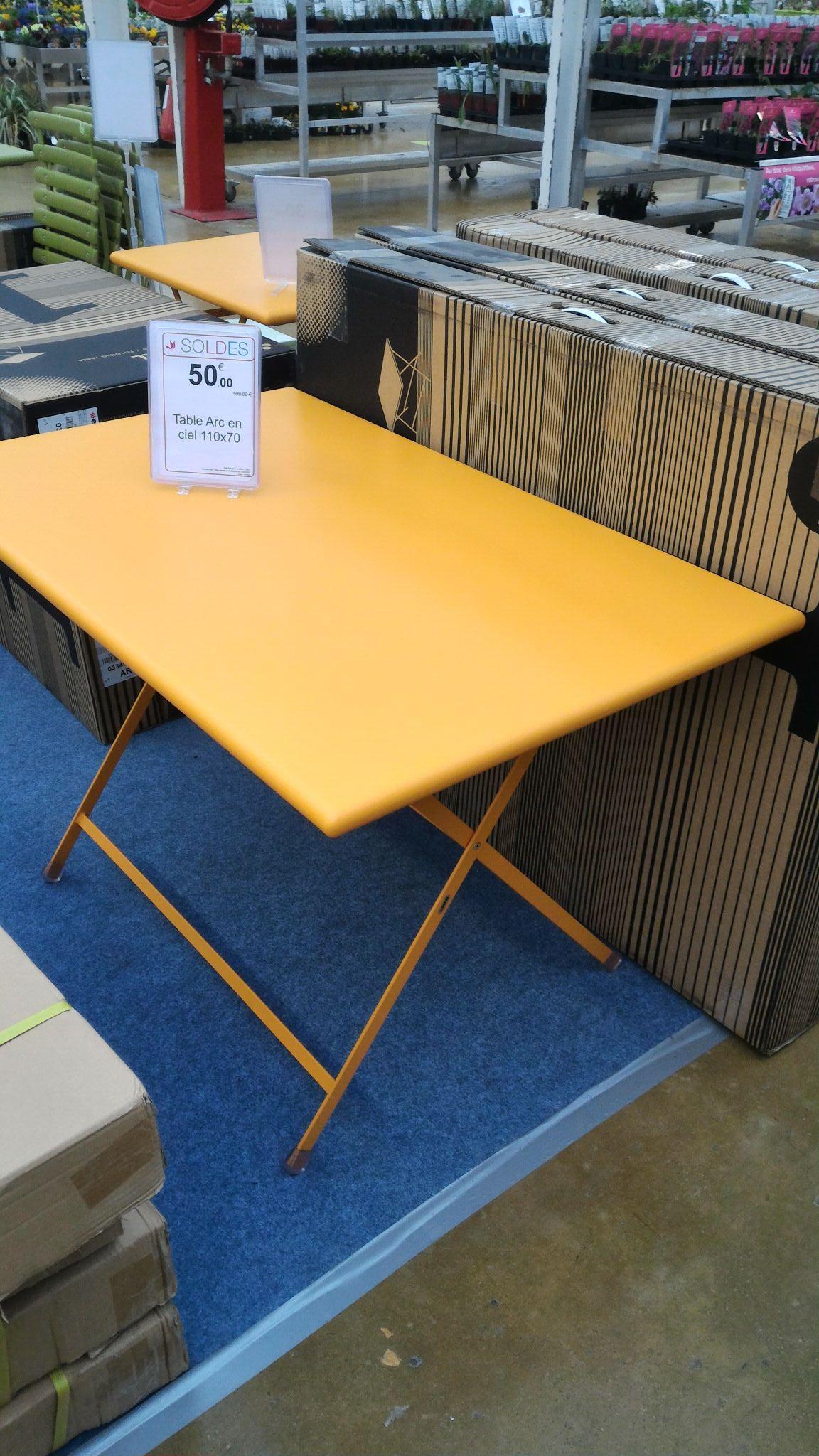 Table de jardin Emu Arc en ciel - 110x70cm Emu et d'autres articles Emu