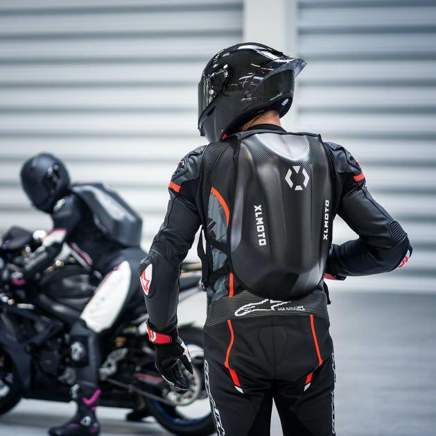 Sélection de Sac à dos moto XLMoto Slipstream en promotion - Ex : Modèle Look Carbone - 24L