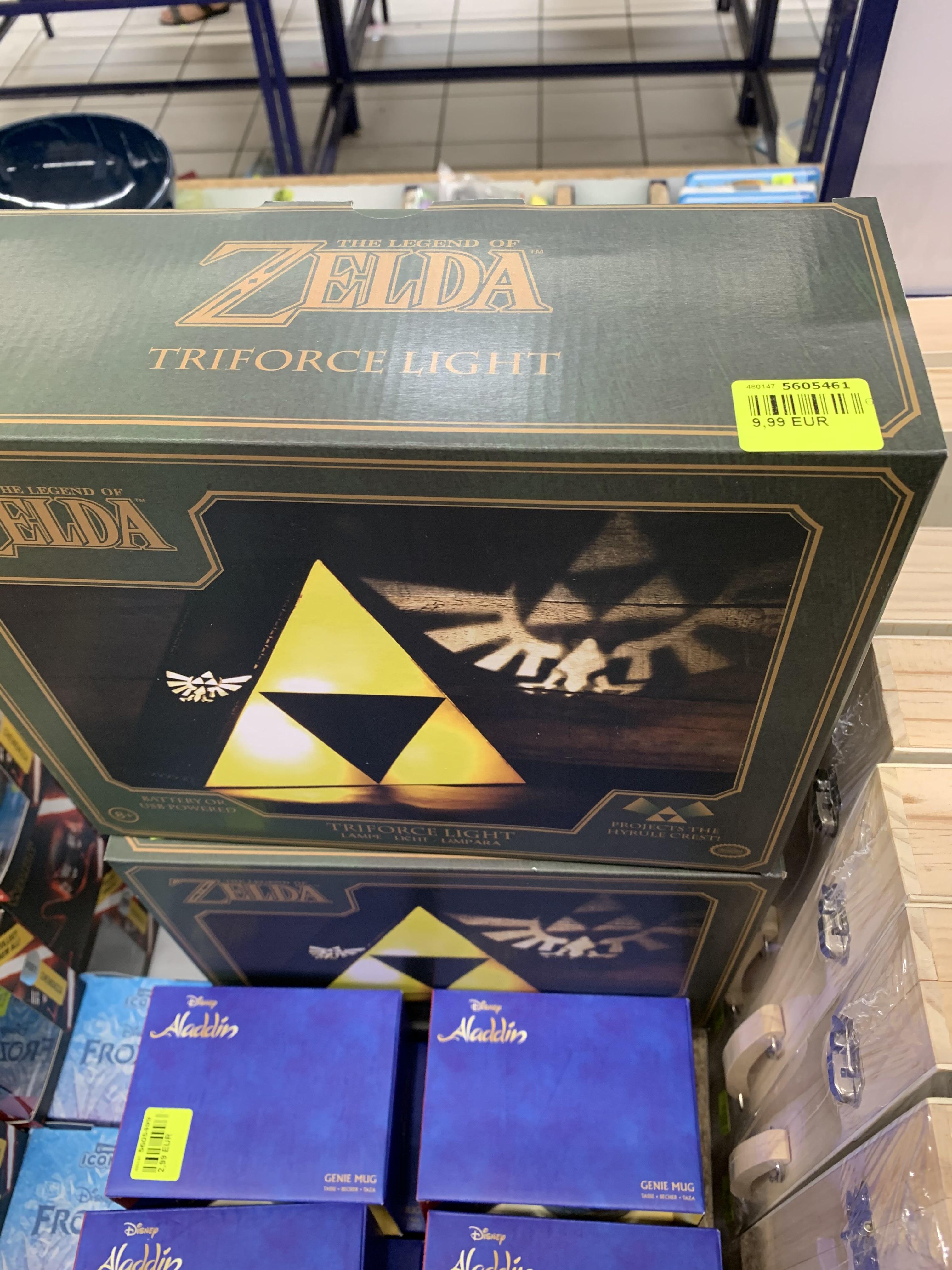 Sélection de Goodies Jeux Vidéo - Ex : Lampe TriForce Zelda