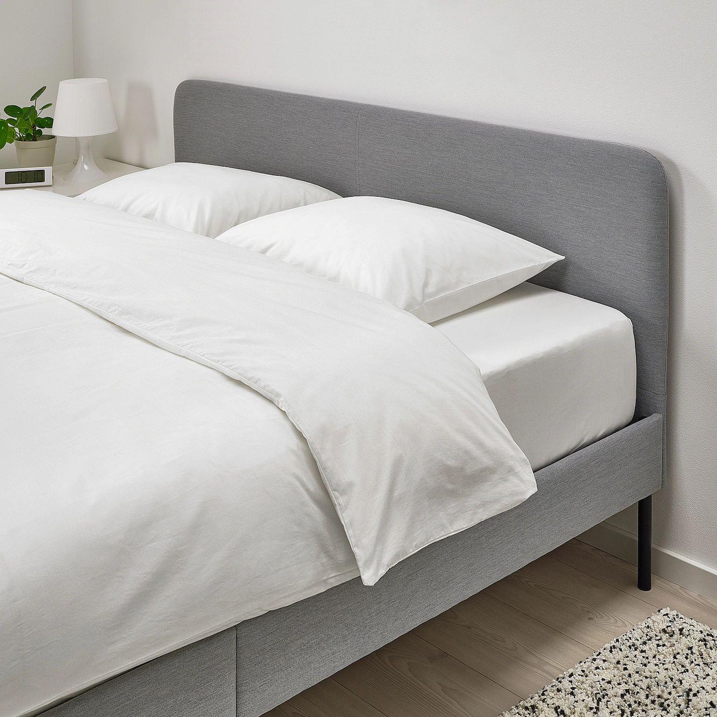 Lit Slattum - 140x200cm, Cadre de lit matelassé, gris clair