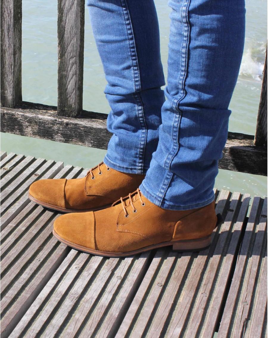 Une paire de chaussures achetée = une paire offerte