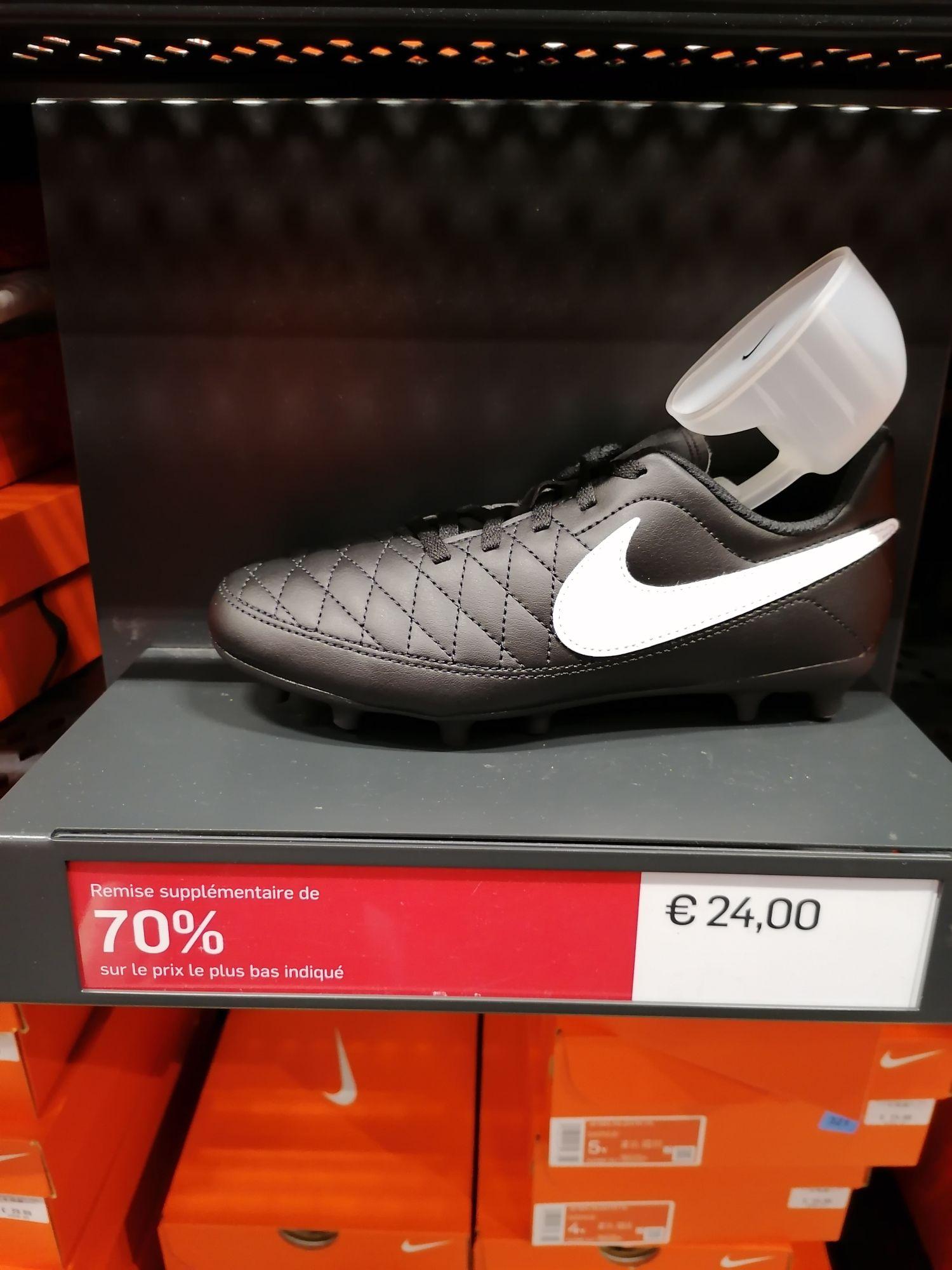 Chaussures de football enfant Nike - Village de marque Villefontaine (38)
