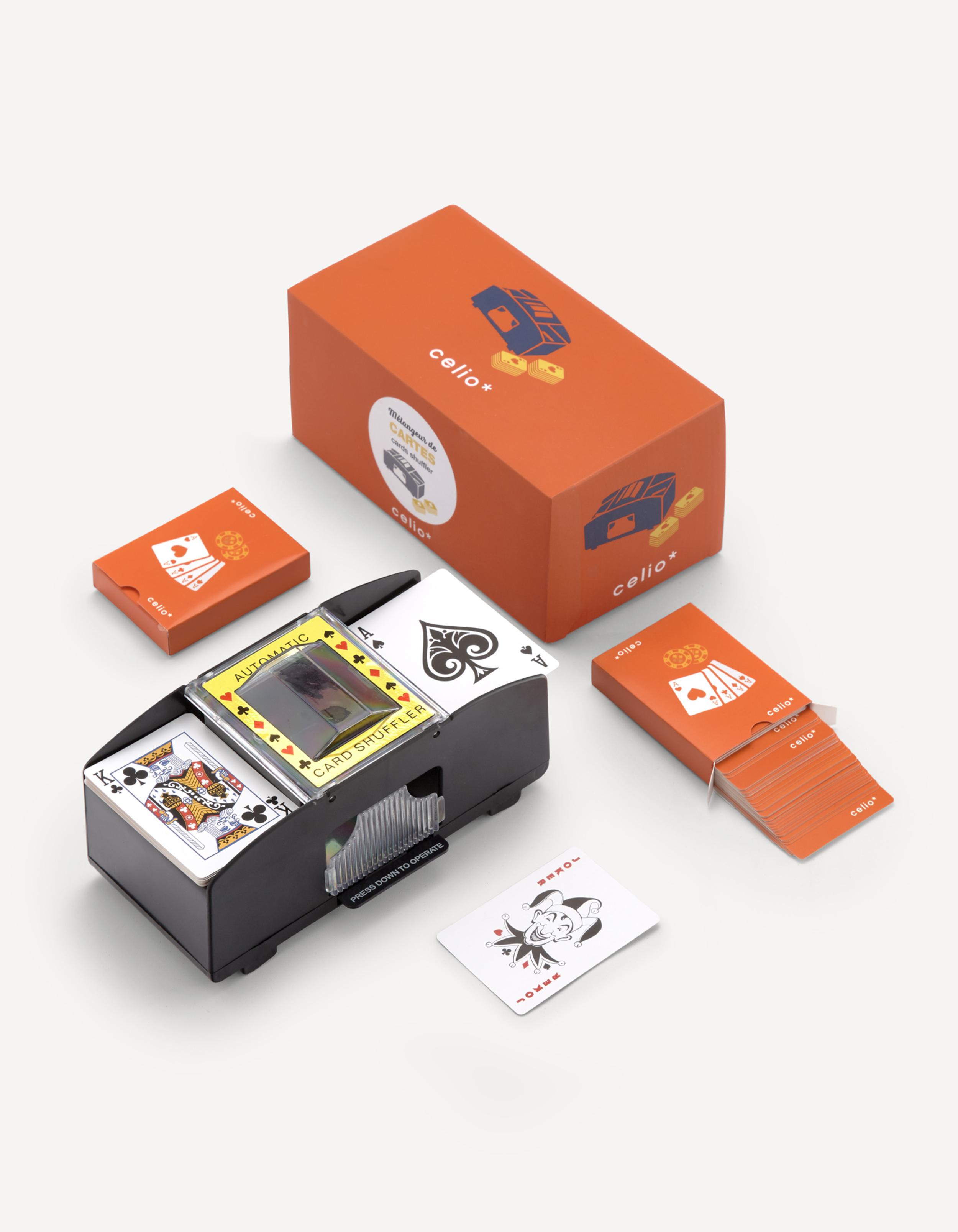 Distributeur / mélangeur de jeux de cartes celio*