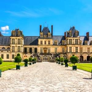 Visite Gratuite en Petit Train du Parc, des Jardins & des Cours du Château de Fontainebleau (77)