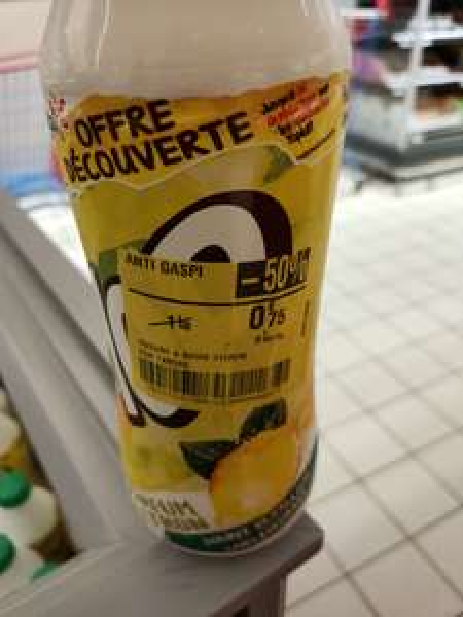 Bouteille de Yop Citron (DLUO courte) - Carrefour Montesson (78)