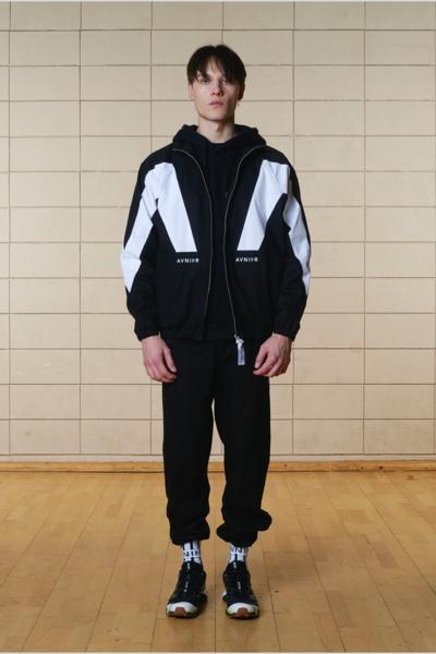 Sélection de vêtements en promotion - Ex: Black Traptop (avnier.com)