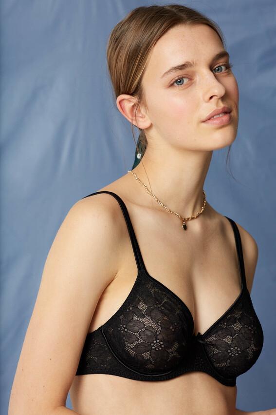 Sélection d'articles en promo avec livraison gratuite - Ex : June Soutien-gorge avec armatures noir en dentelle de calais (maisonlejaby.com)