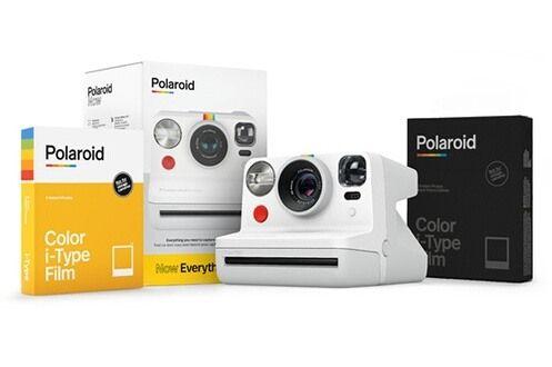 Pack appareil photo instantané Polaroid Now Blanc + 8 photos couleurs cadre blanc + 8 photos couleur cadre noir