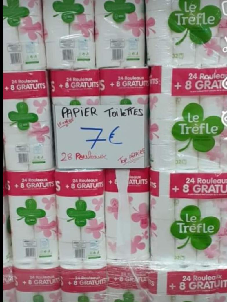 32 rouleaux Papier toilette Le Trèfle - Destock and Fruits, situé à Villette d'Anthon (38)