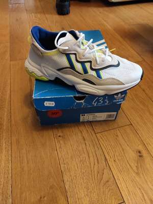 Chaussures adidas Ozweego - blanc/jaune ou blanc/rouge (tailles 43, 44 ou 45) - Gonesse (95)