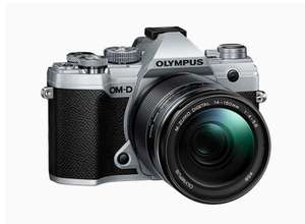 Appareil Photo Olympus E-M5 Mark III + Objectif 14-150 mm