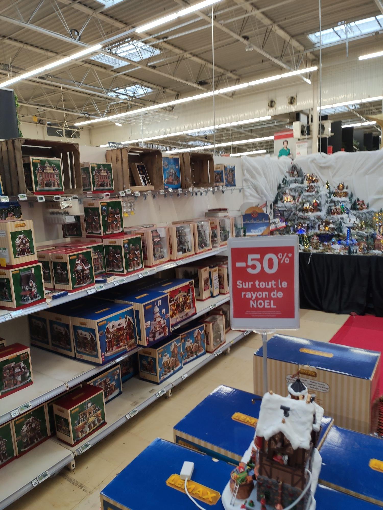 50% de réduction sur tout le Rayon de Noël - Lognes (77)
