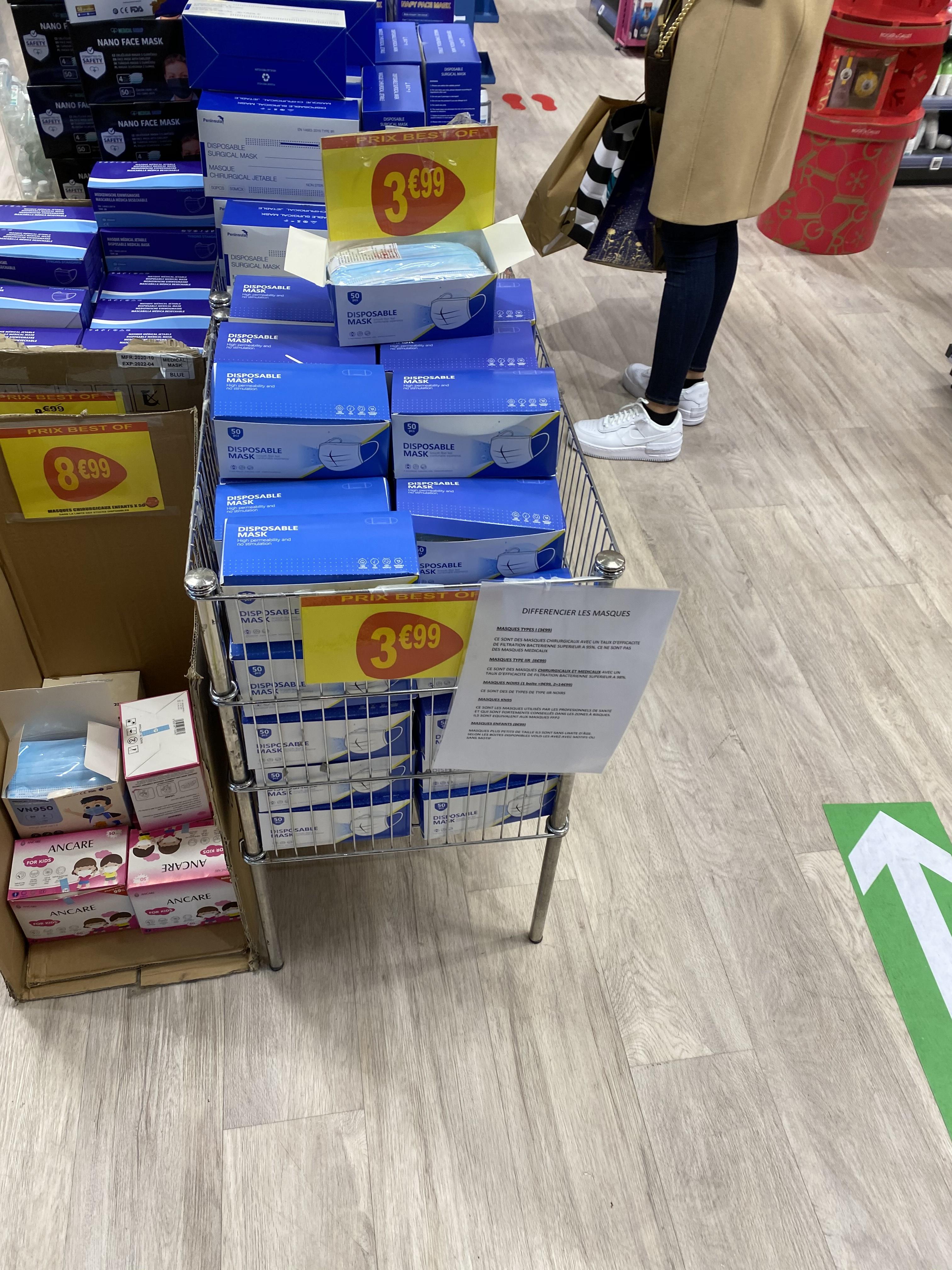 Lot de 50 masques chirurgicaux jetables Type I - Pharmacie des 4 Temps Puteaux (92)