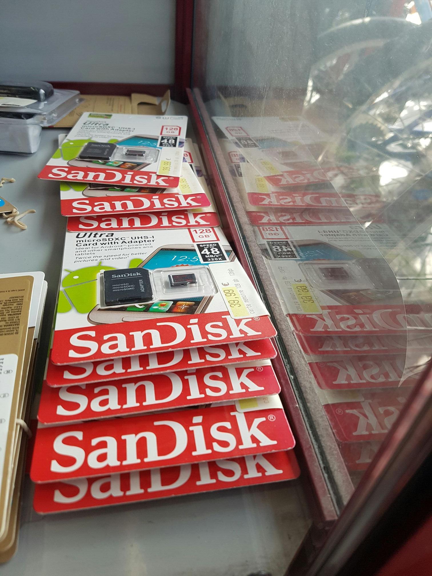 Carte MicroSDXC SanDisk Ultra Classe 10 (jusqu'à 48 Mo/s) - 128Go