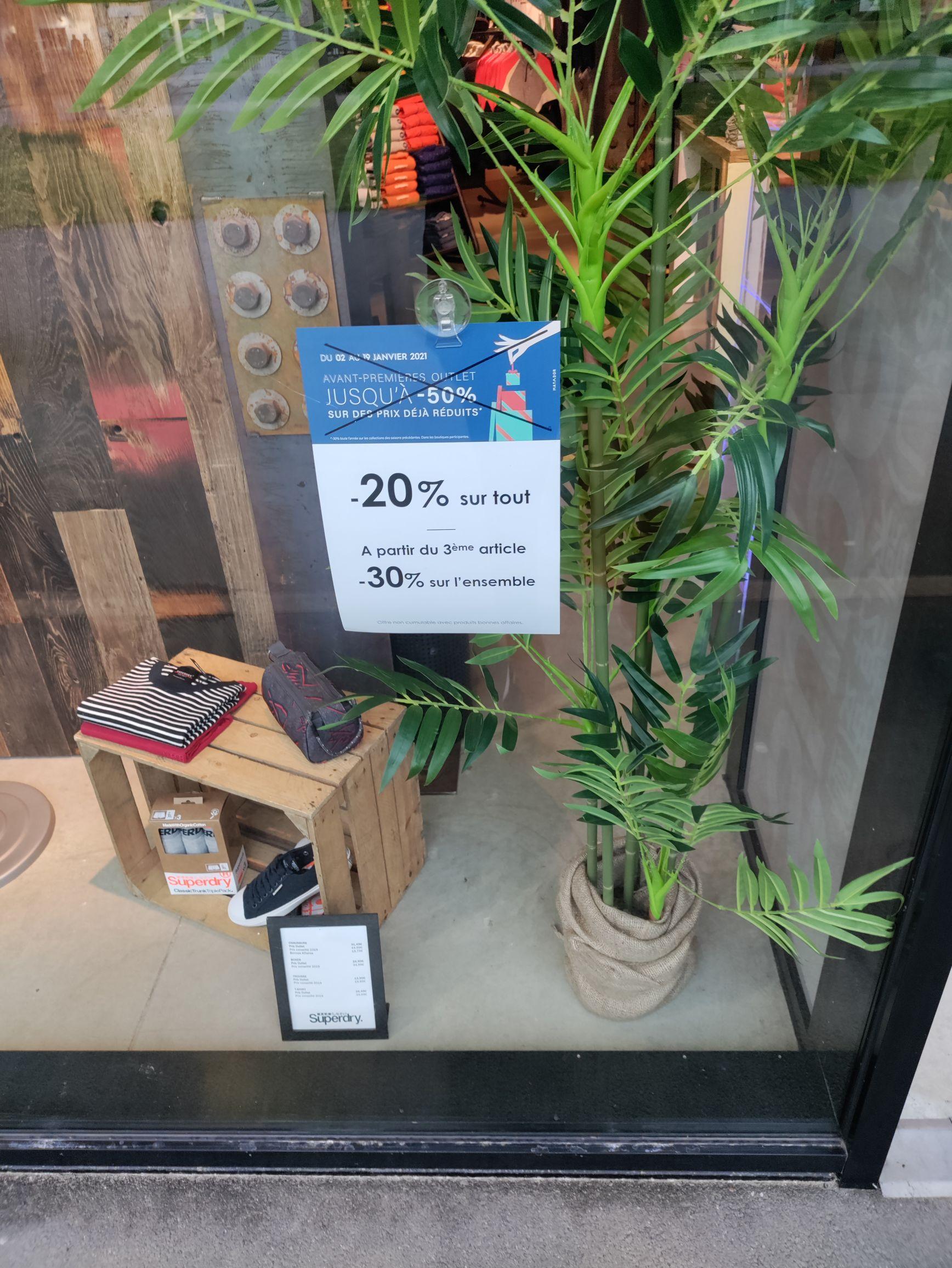 20% de réduction sur tout le magasin et 30% dès 3 articles achetés - Superdry Outlet La Séguinière (49)
