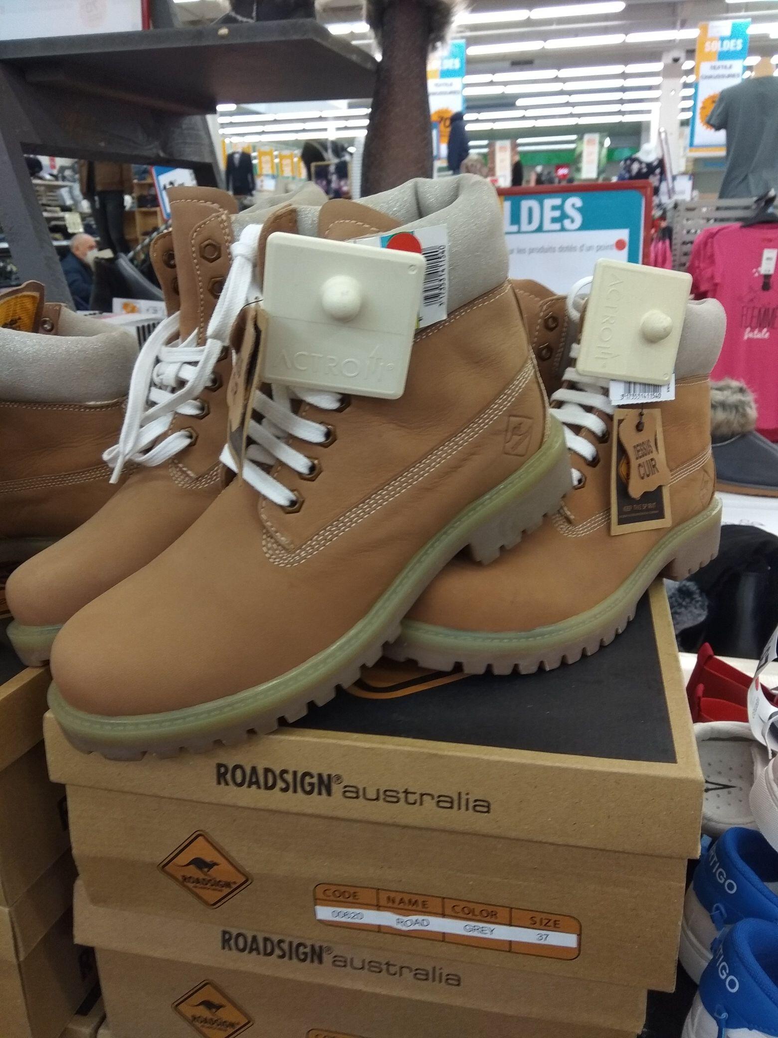 Chaussure Road Design cuir - Plusieurs tailles (Echirolles 38)